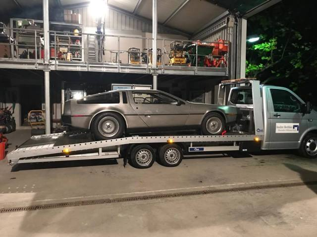 Transport DeLorean.jpg